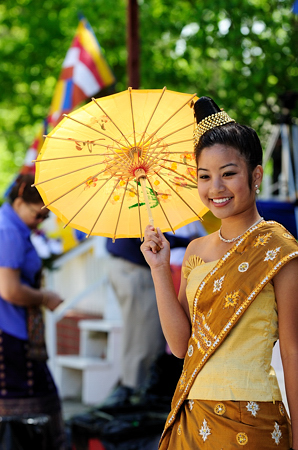lao_new_year_riverdale_10_04_b-vong.com