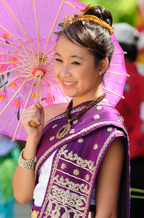 lao_new_year_riverdale_10_08_b-vong.com