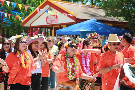 lao_new_year_riverdale_10_15_b-vong.com